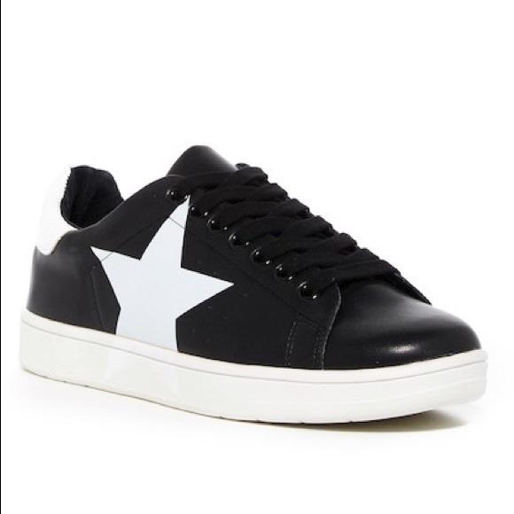 steve madden star sneakers